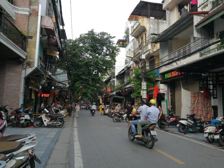 Una calle tranquila de Hanoi